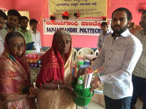 15.8.17 Distribution of basic things to orphans and old age home 2